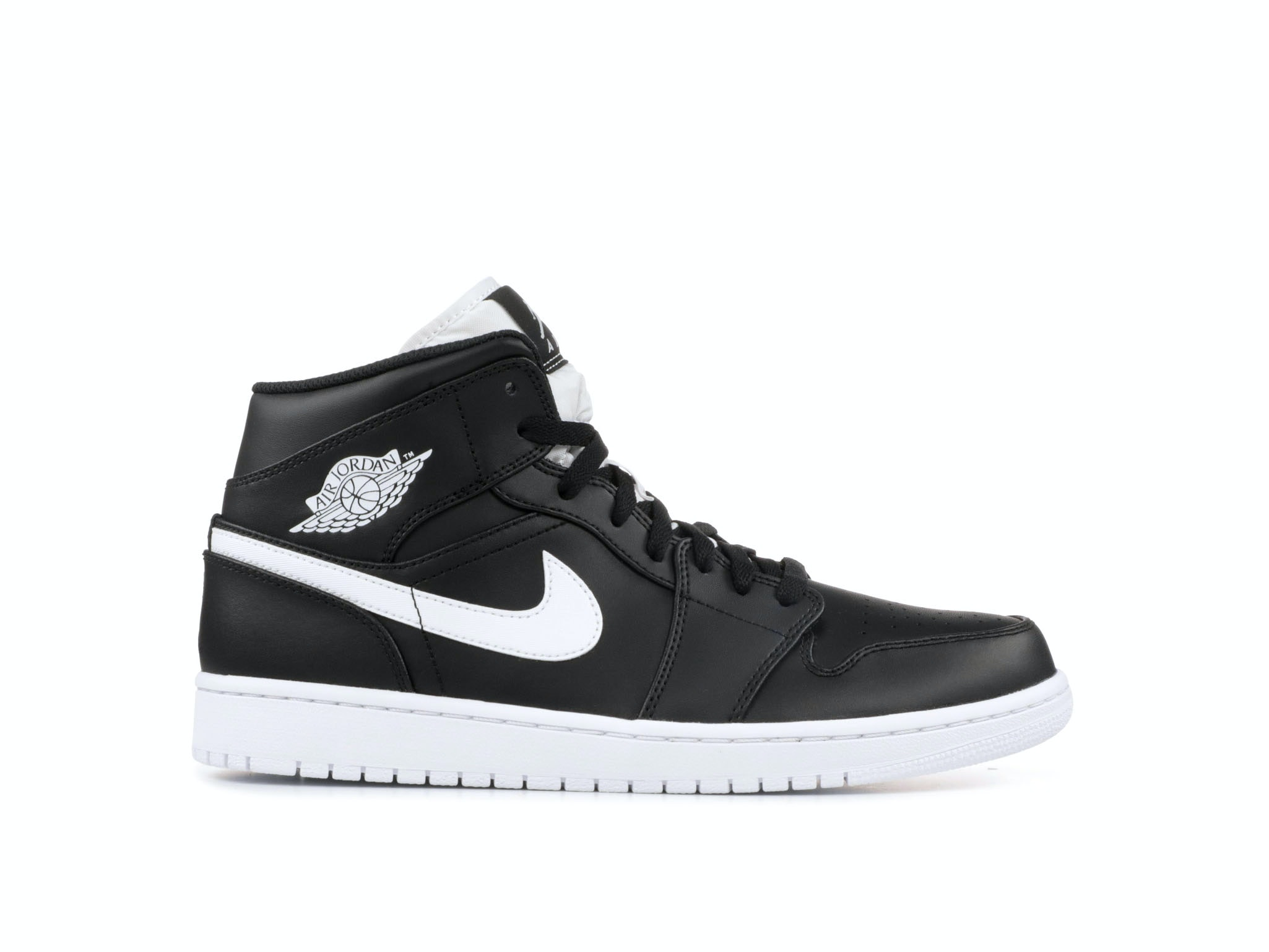 official photos 0237e 3fd5d Air Jordan 1 Retro Mid Black White