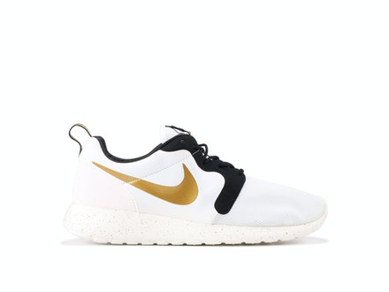 Roshe Run Gold Trophy