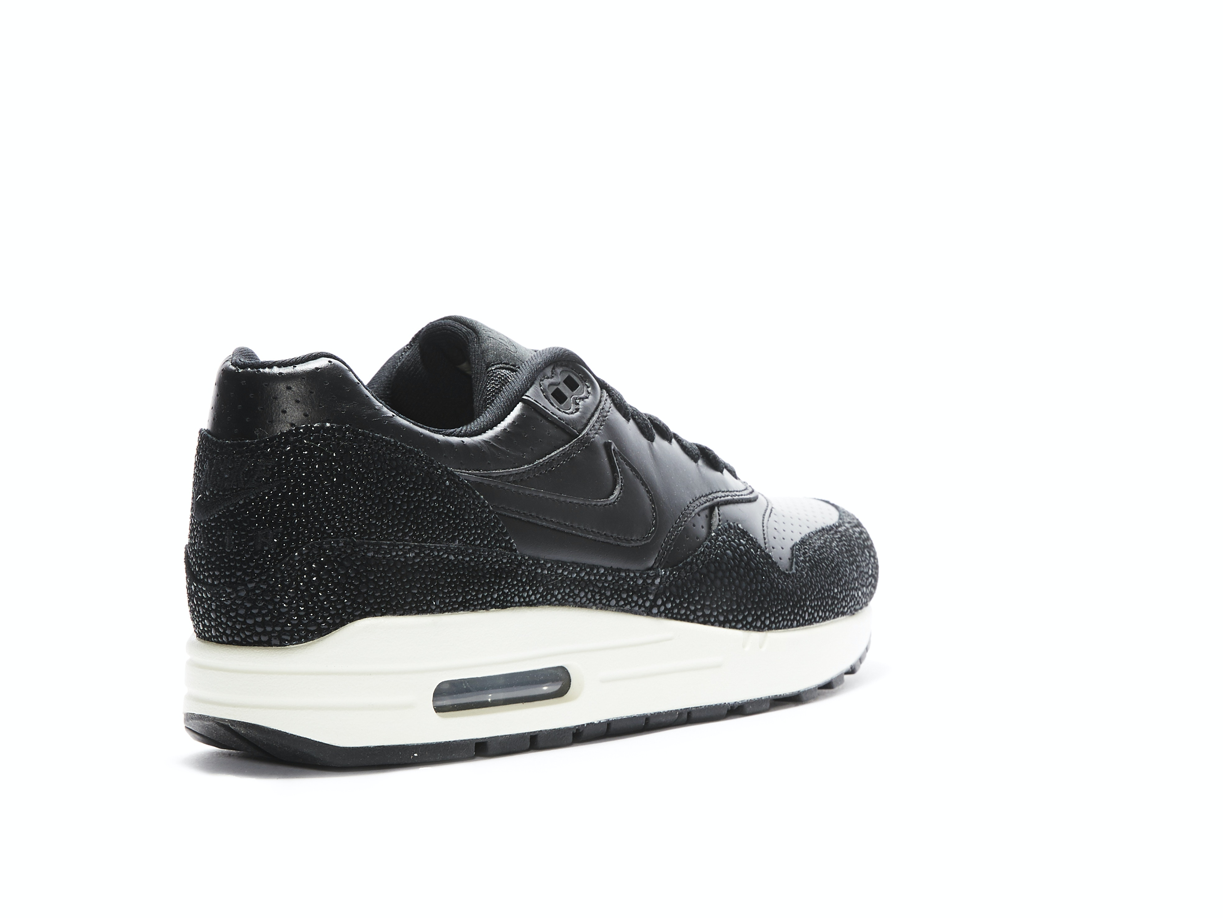 f03d05ea26 Air Max 1 Leather Stingray. 100% AuthenticSold out! Nike / 705007-001