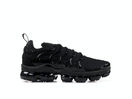 Triple Black Air VaporMax Plus