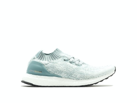 Crystal White UltraBoost Uncaged (W)
