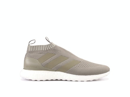 Clay Ace 16+ Pure Control UltraBoost